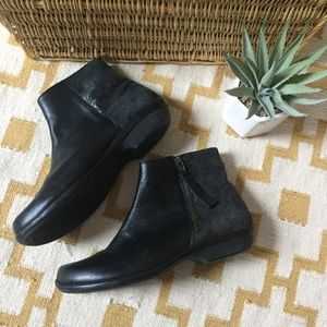 Dansko Otis in Metalic & Black